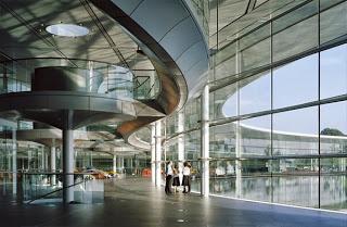 McLaren Technology Centre, Woking, Reino Unido (2004