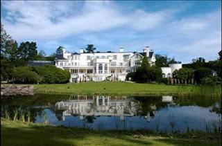 fachada La casa mas cara del mundo / Uptown Court, campiña inglesa Inglaterra