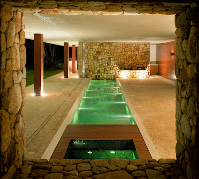 piscina-cubierta-Casa-BR-Marcio-Kogan