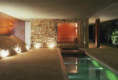 revestimiento-muro-piedra-Casa-BR-Marcio-Kogan