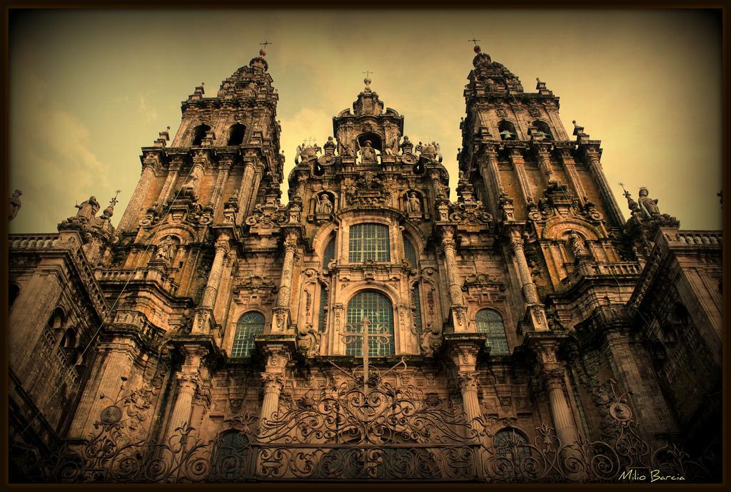 Arquitectura e historia catedral de santiago de compostela for Muebles de cocina y bano disdeco santiago de compostela