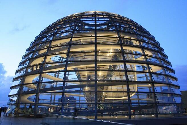 Cupula-Reichstag-arquitectura-HIGH-TECH