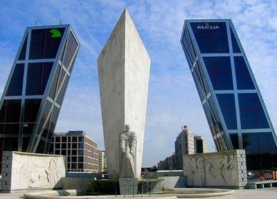 las-torres-kio-puertade-de-europa-madrid_thumb2