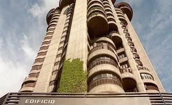 edificio-torres-blancas-Madrid_thumb3