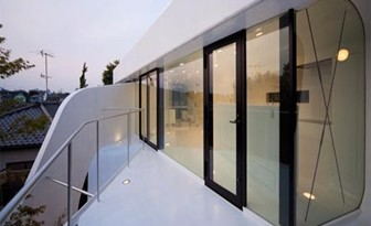 diseño-de-casa-futurista-con-celuloide_thumb3