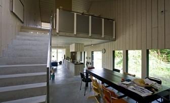 casa-de-madera-diseño-interior_thumb