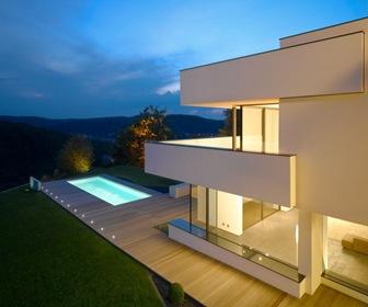casa-moderna-estilo-minimalista-arquitectura-contemporanea_thumb1