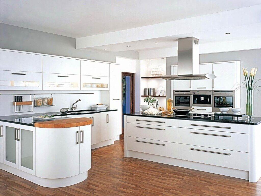 cocina-moderna-blanca-con-isla