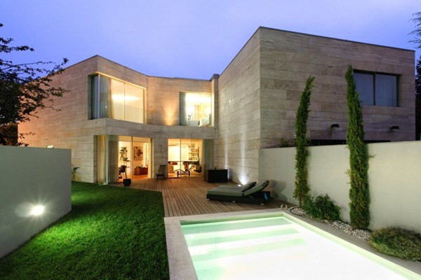 Casa moderna L02CR / ARQX Architects, Portugal