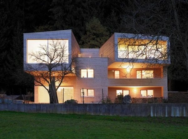 Moderna casa de madera k juri troy architects austria for Casa moderna madera