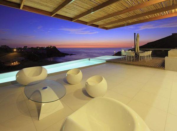 """El estudio Vertice architects ha completado el proyecto residencial """"Casa Palillos E-3"""" esta casa se encuentra ubicada en Lima, Perú."""