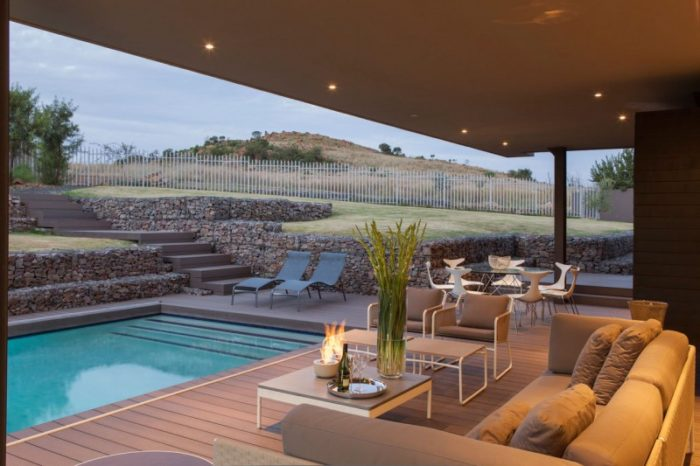 terraza-com-piscina-casa-moderna