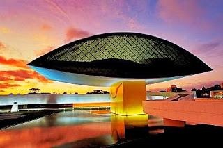 Museo-Oscar-Niemeyer-Museu-Oscar-Niemeyer