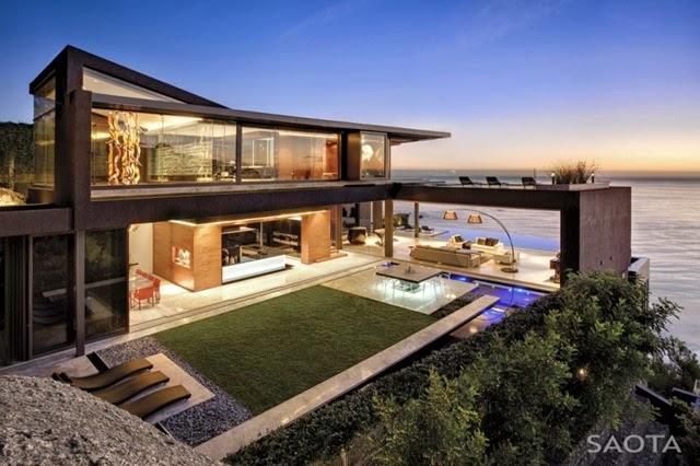 Casa minimalista Harborview Hills / Arquitecto Laidlaw Schultz, California