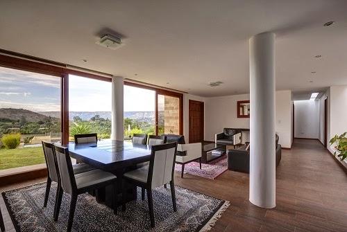 salon-comedor-Casa+Mirador-arquitectos-AR+C
