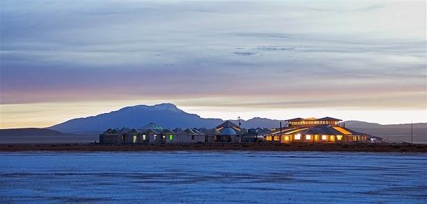 fachada-hotel-palacio-de-sal-uyuni-bolivia