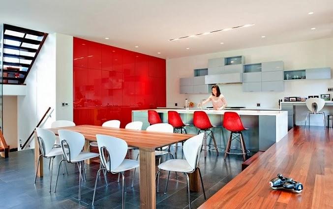 cocina-de-diseño-integrado-muebles-rojos
