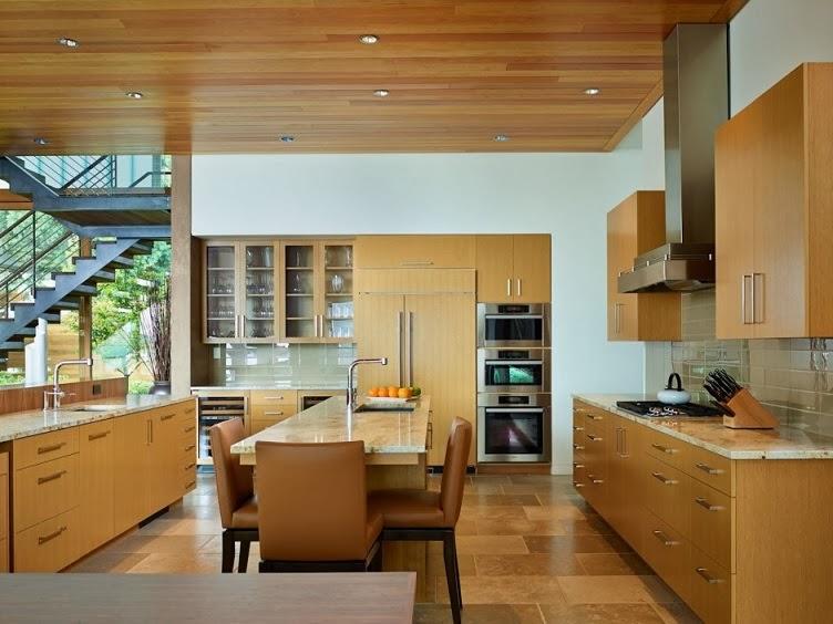 "Casa moderna ""courtyard"" diseño en madera por deforest architects ..."