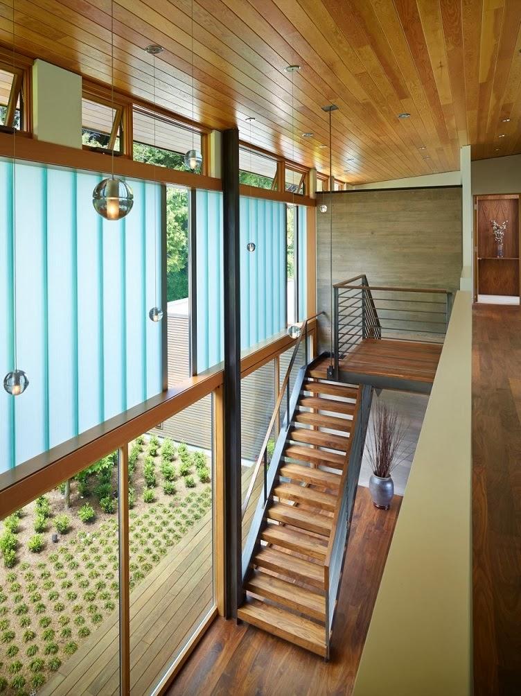 revestimiento-techos-madera-Casa-Courtyard