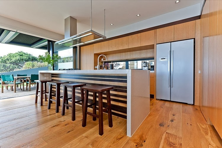 Fachada madera y acero casa rothesay bay creative arch for Modern kitchen designs nz