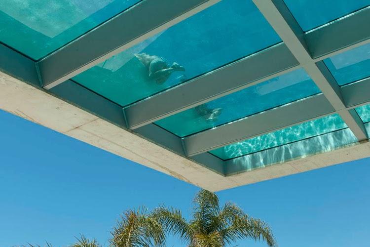 Casa de lujo jellyfish con vistas al mar mediterr neo - Piscina de cristal ...