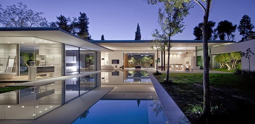 Casa float muros de cristal pitsou kedem architects - Patios de casas modernas ...