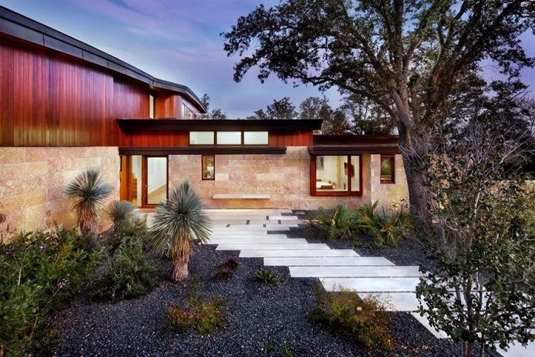 fachada-madera-cristal-piedra
