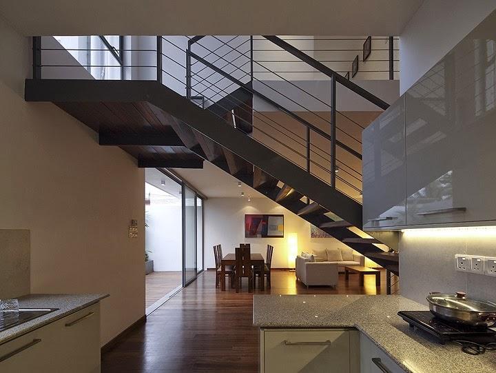 Casa cubica y minimalista isurunath pramitha for Interior casa minimalista