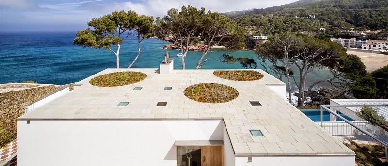 casa-moderna-piscina-costa-brava-españa