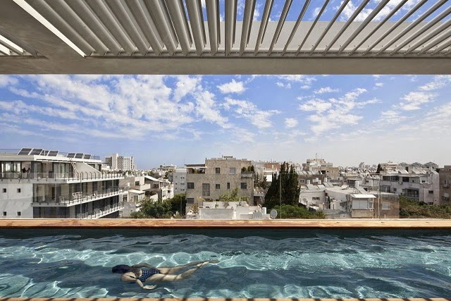 piscina-casa-Tel-Aviv-Townhouse-Pitsou-Kedem-Architects