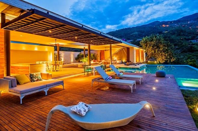 terraza-con-piscina-casa-moderna