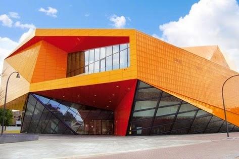 Arquitecto-Ben-Van-Berkel-Teatro-Agora-arquitectos contemporáneos