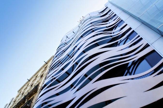 Arquitecto-Toyoo-Ito-Hotel-Suites-Avenue-Barcelona-arquitectos contemporáneos