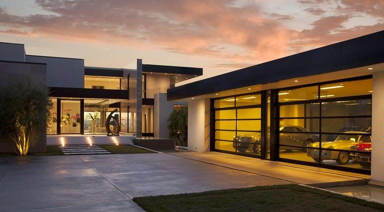 fachada-casa-moderna-Sunset-Strip-McClean-Design
