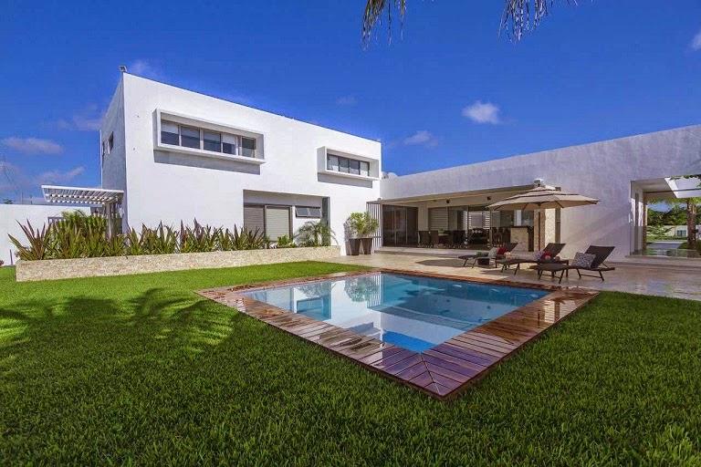 Casa minimalista dise o moderno de l neas puras arquitexs for Arquitectura minimalista casas