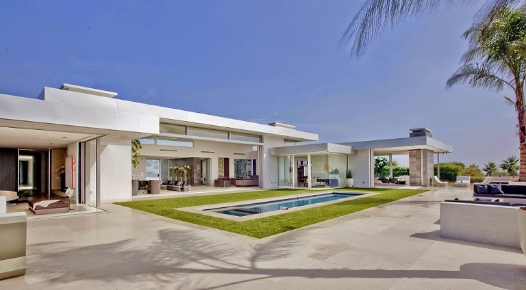 Casa minimalista beverly hills mcclean design california for Casa minimalista harborview hills