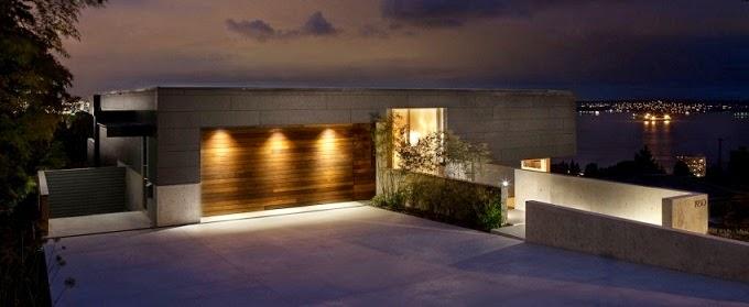 fachada-de-hormigon-puerta-madera