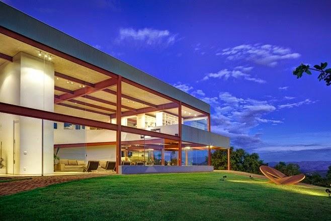 Casa das Gerais / Denise Macedo Arquitetos Associados