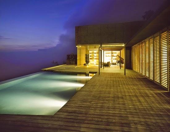 casa-hormigon-piscina-borde-infinito
