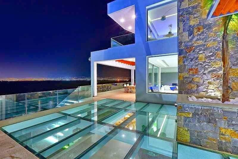Casa de playa en isla creta con vistas al mar egeo arquitexs for Fachadas de casas ultramodernas