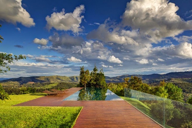 piscina-Casa-moderna-das-Gerais
