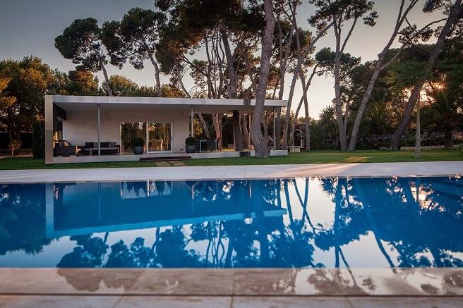 piscina-Pabellion-entre-Pinos-e2b-arquitectos