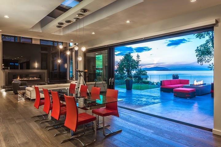 Casa cadence modernas fachadas en madera vancouver for Arquitectura moderna casas interiores