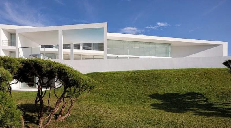 Casa infinity arquitectura minimalista aabe baleares - Casas minimalistas en espana ...