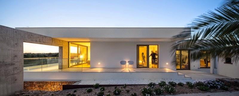 Casa da malaca con espectaculares vistas mario martins for Arquitectura contemporanea casas