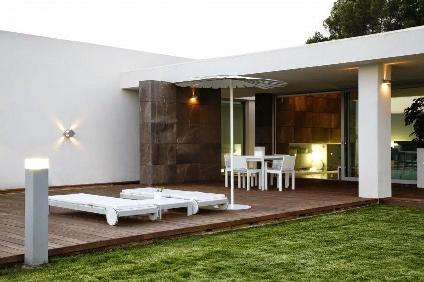 terraza-jardin-casa-minimalista