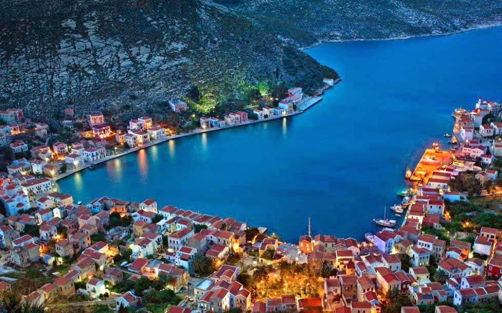 arquitectura--casas-isla-Kastellorizo-Grecia-ciudades de cuentos