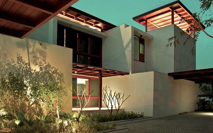 fachadas-modernas-casa-Courtyard
