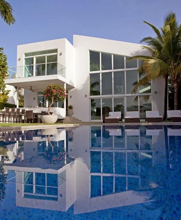 arquitectura-casa-moderna-con-piscina-en-florida
