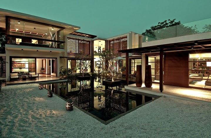 fachadas-madera-casa-Courtyard-India